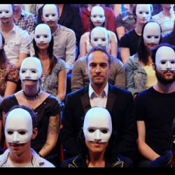 Derren Brown -  the social experiment of masks, crowds and anonymity